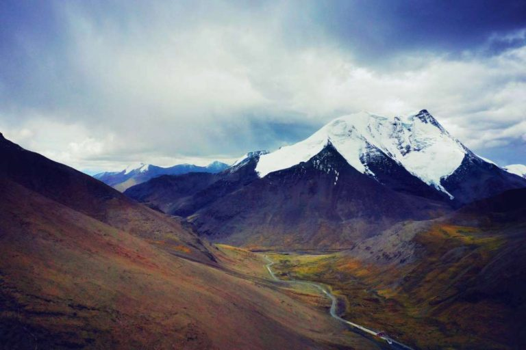 Tibetan mountains in Spring