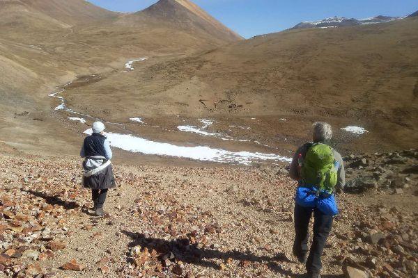Trekking in Tibet in Spring