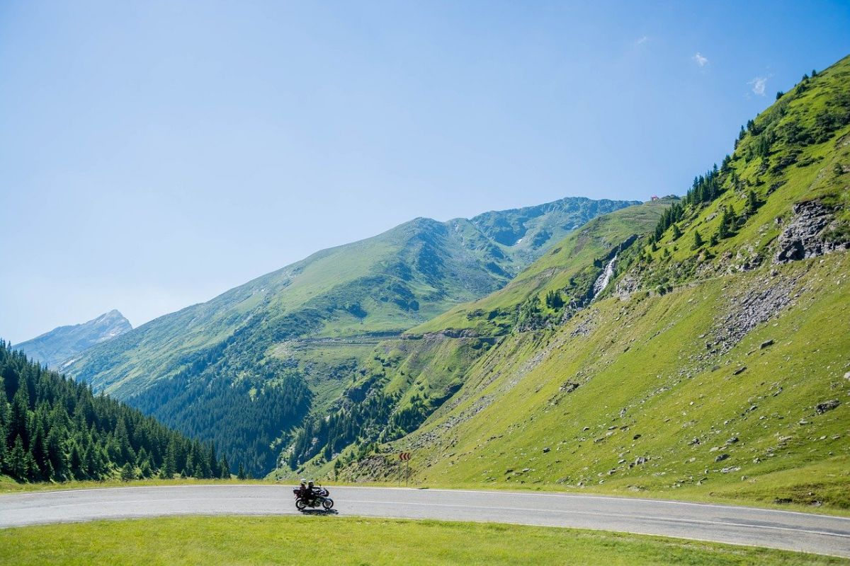 You are currently viewing Guide to Tibet Motorbike Tour – Insights About The Road Trip