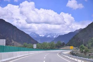Sichuan Tibet mountainous and gorgeous highway