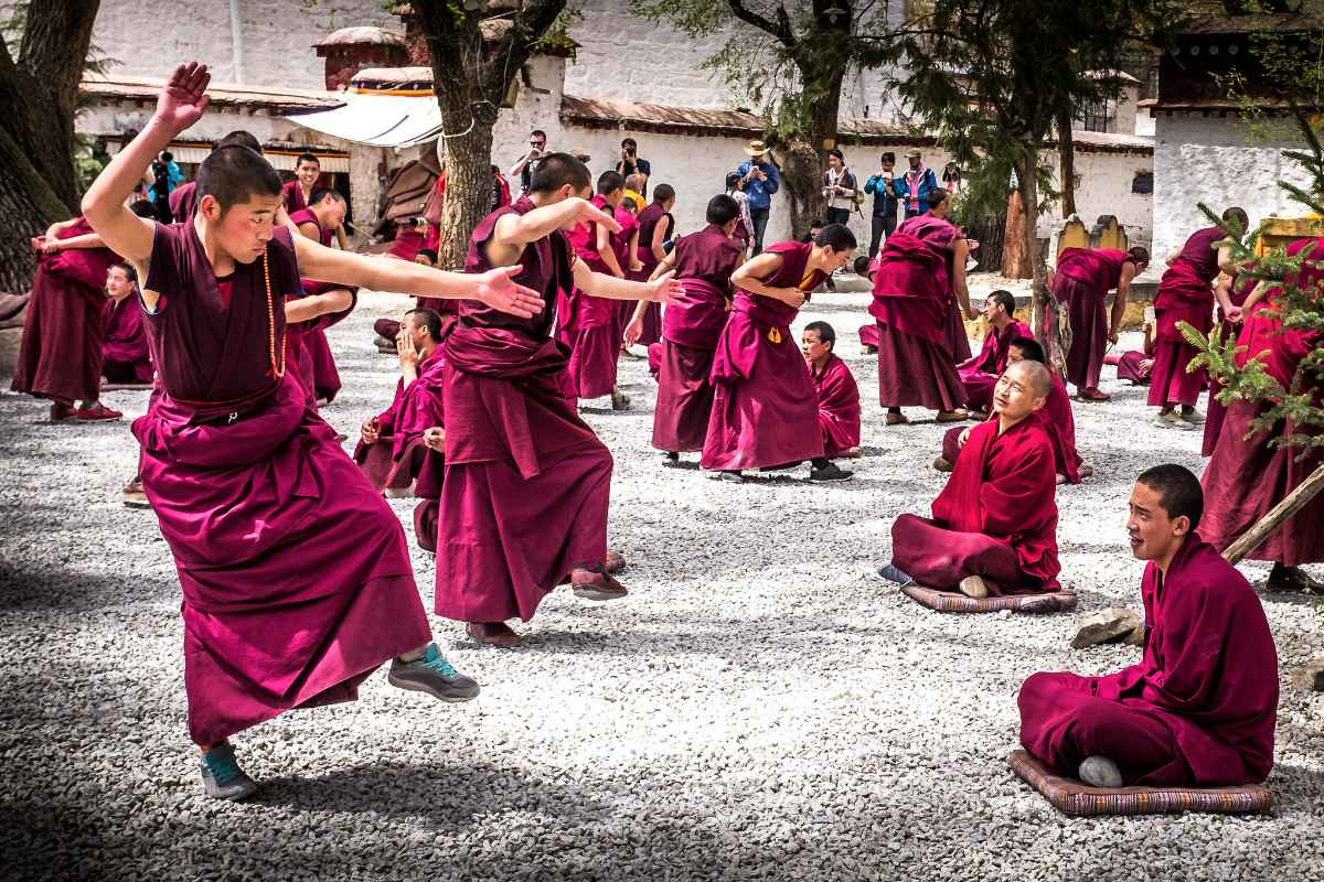 Tibetan Holy Monasteries and Temples